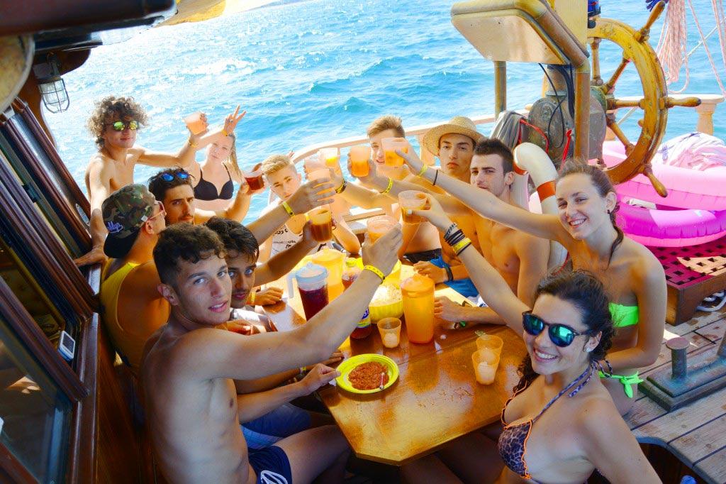 aperitivo-in-barca-rimini
